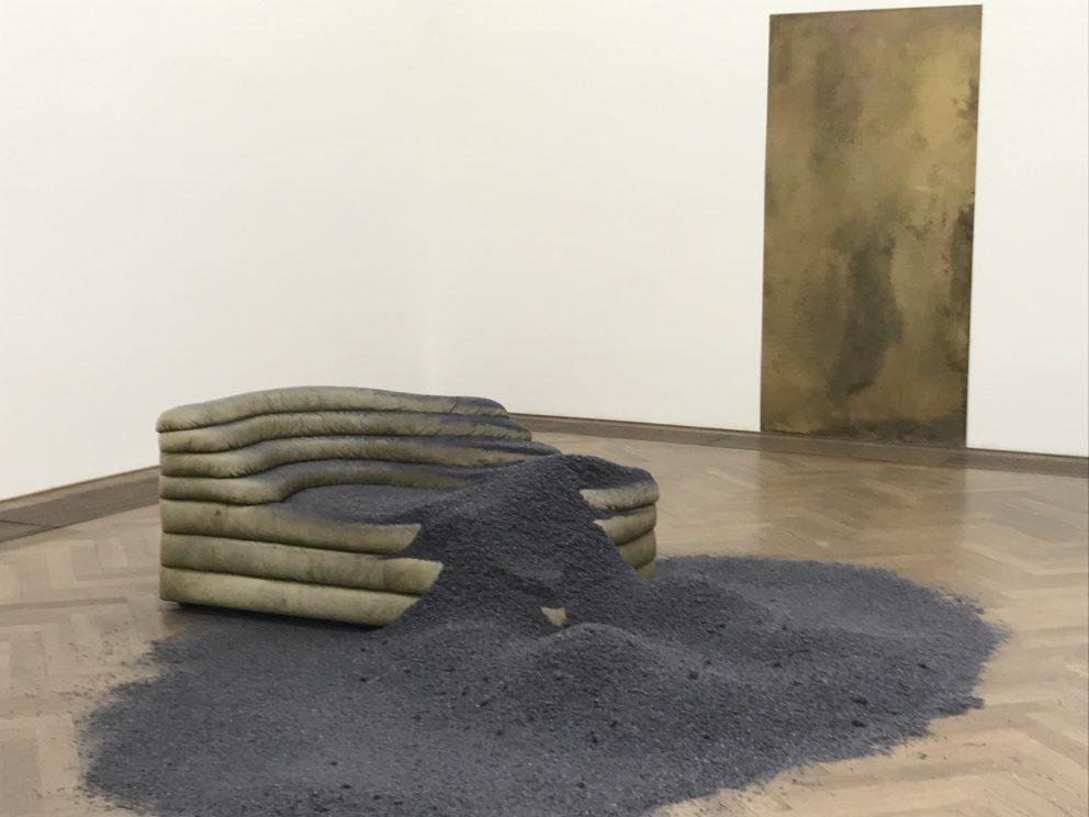 I AM GONG. Dora Budor – Kunsthalle Basel